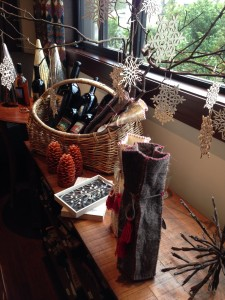 Share the ‎Lasseter Family Winery‬ ‎Holiday Spirit